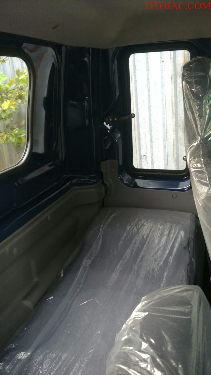 giường nằm của xe tải jac 6.4 tấn