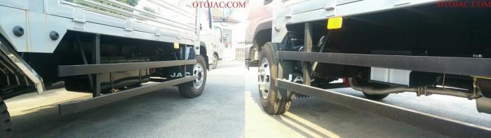 cảng hông của xe tải jac 4.99 tấn